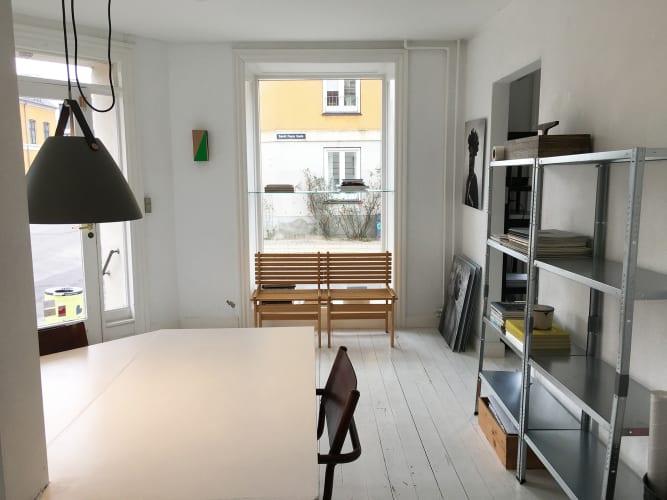 2 pladser ledige i skønt kontorfælleskab i Nyboder kvarteret