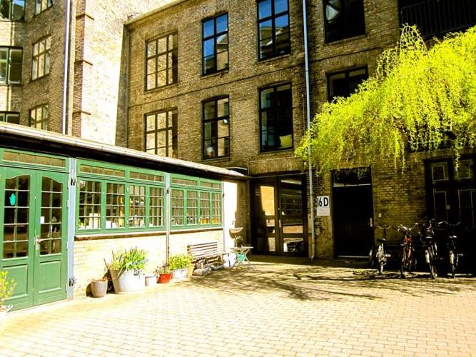 Fremlejer plads i tekstilværksted på Nørrebro