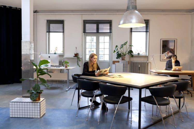 Ledige kontorpladser i kreativt fællesskab i Kbh NV