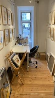 Lille skriverum, showroom i galleri, undervisning muligt