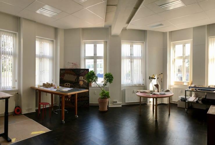 Stort lyst atelier/kontor i Nordvest - kan deles af flere