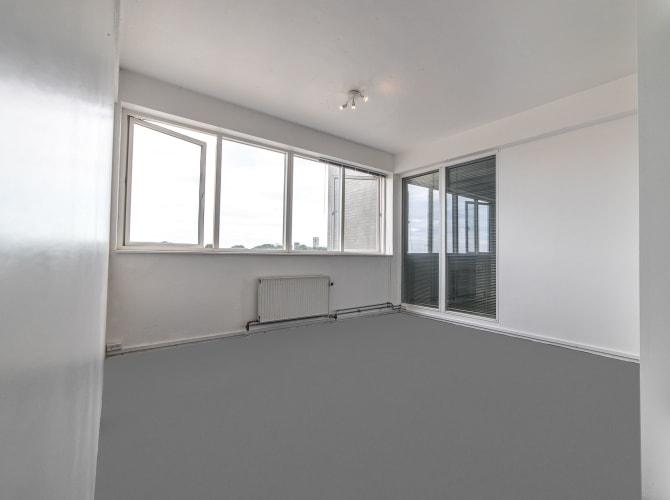 Lyst kontor på 15 m2