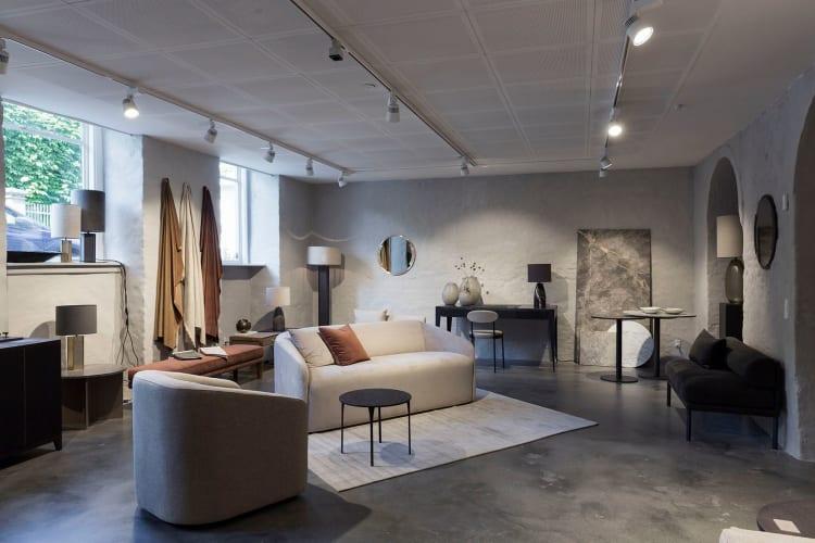 Få fast plads - og showroom på Kronprinsessegade.