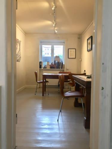 Hyggelig og fin kontorplads i Galleri