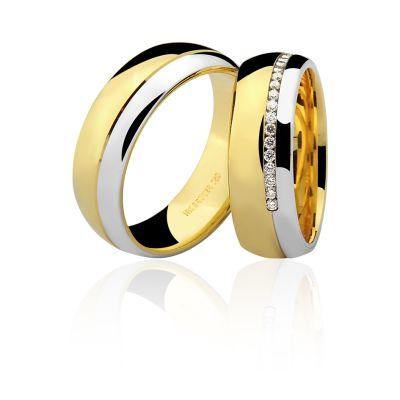 par de alianças em ouro amarelo e ouro branco