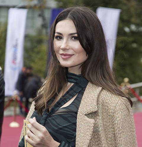 Ольга Ушакова хочет отсудить 300 тысяч у Кокорина и Мамаева