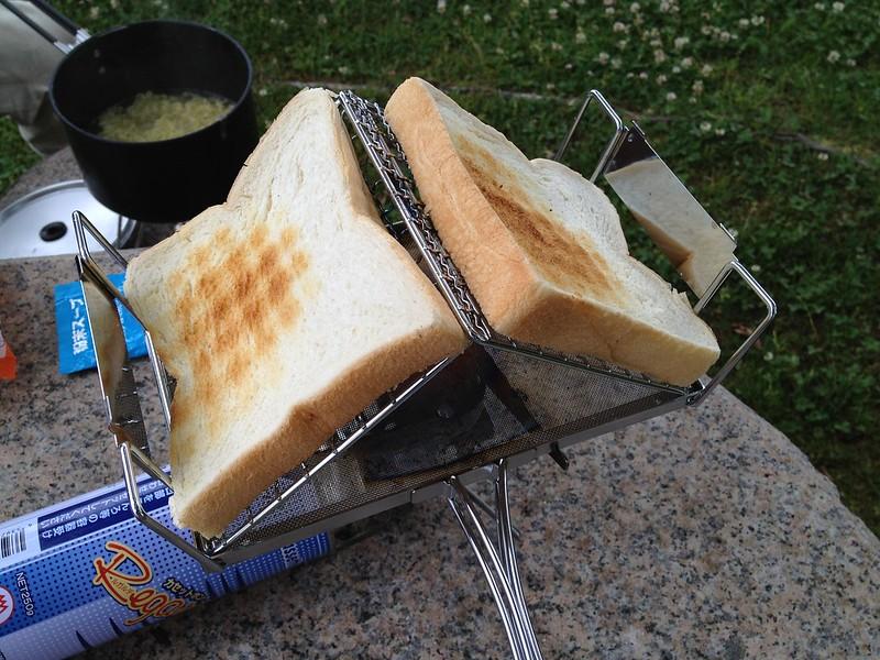 朝トーストの準備