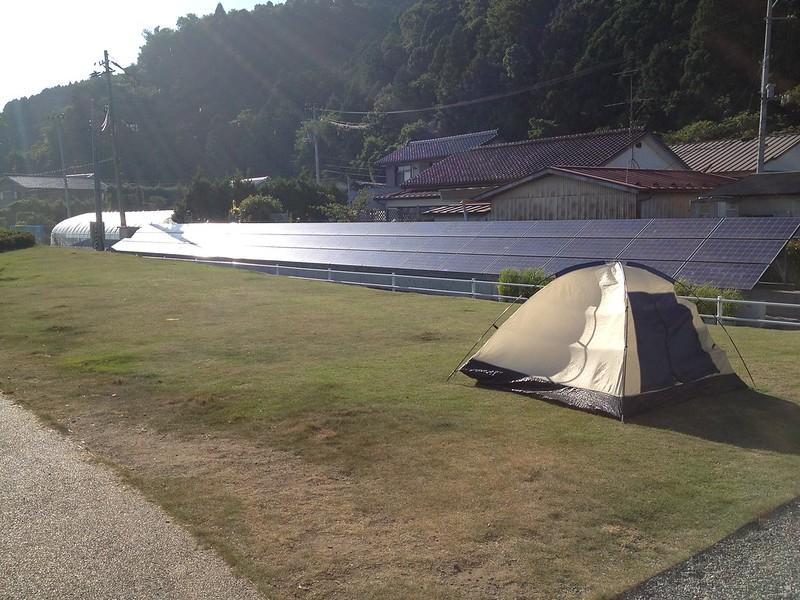 道の駅にテント