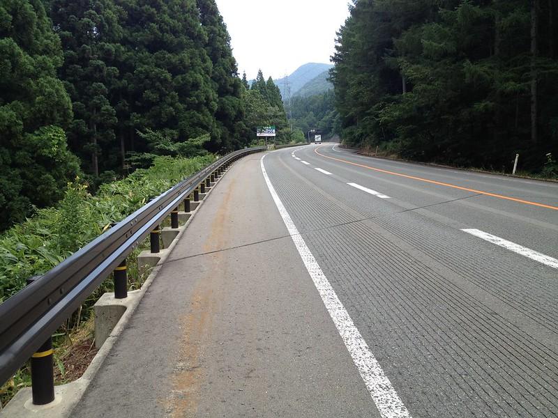 笹谷峠へ向かう道その2