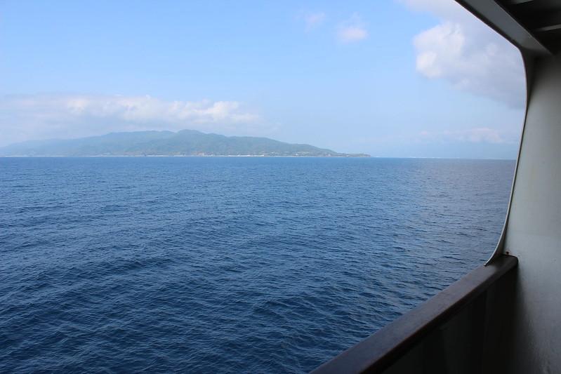 フェリーから見える佐渡島