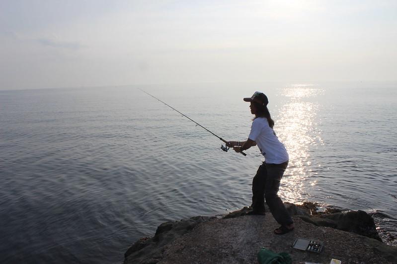 釣りをする野村さん その3