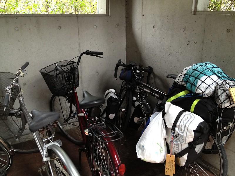 長野市立長野図書館の駐輪場