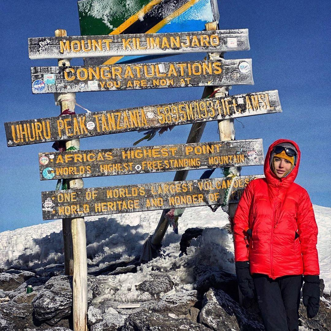 На очереди Эльбрус: Николь Ковальчук совершила восхождение на Килиманджаро