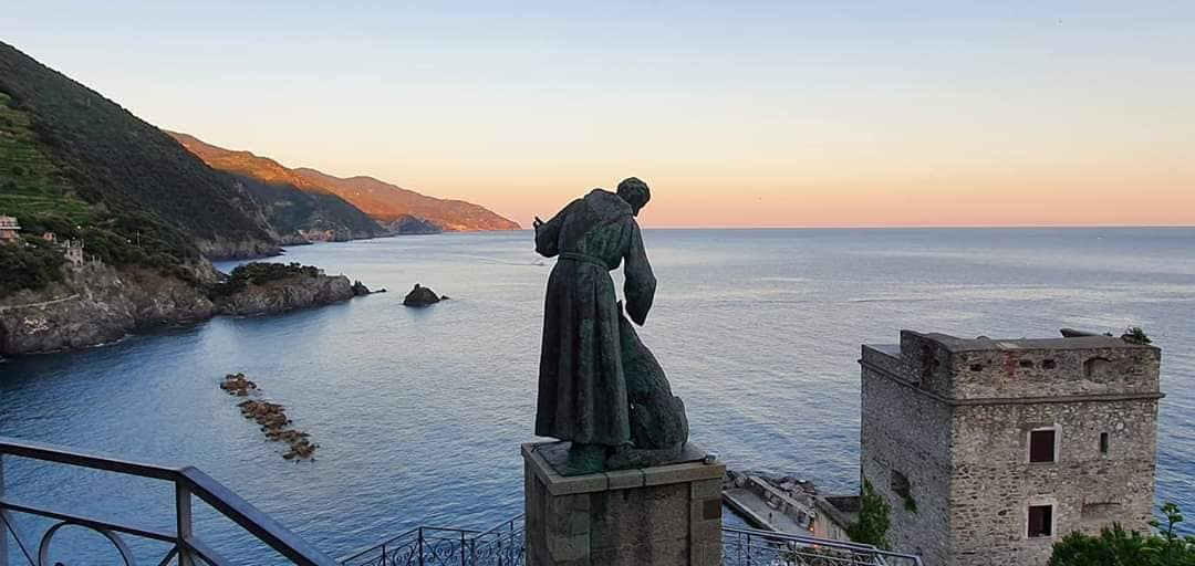 statue of st bendetto d'assisi