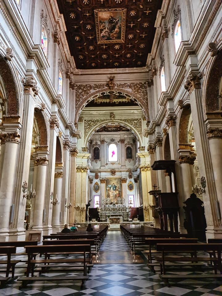 inside lecce cathedral