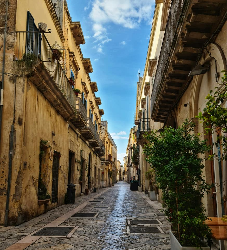 street old town - lecce