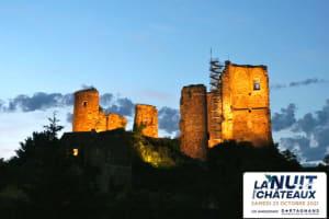"""Balade nocturne """"au flambeau"""" dans les ruines éclairées du château féodal des """"Ducs de Bourbon""""-image"""