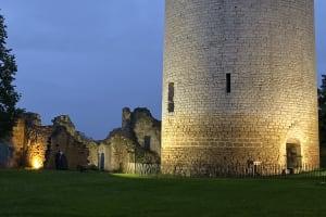 Complétez la visite du château de Montreuil-Bonnin avec un dîner aux chandelles !-image
