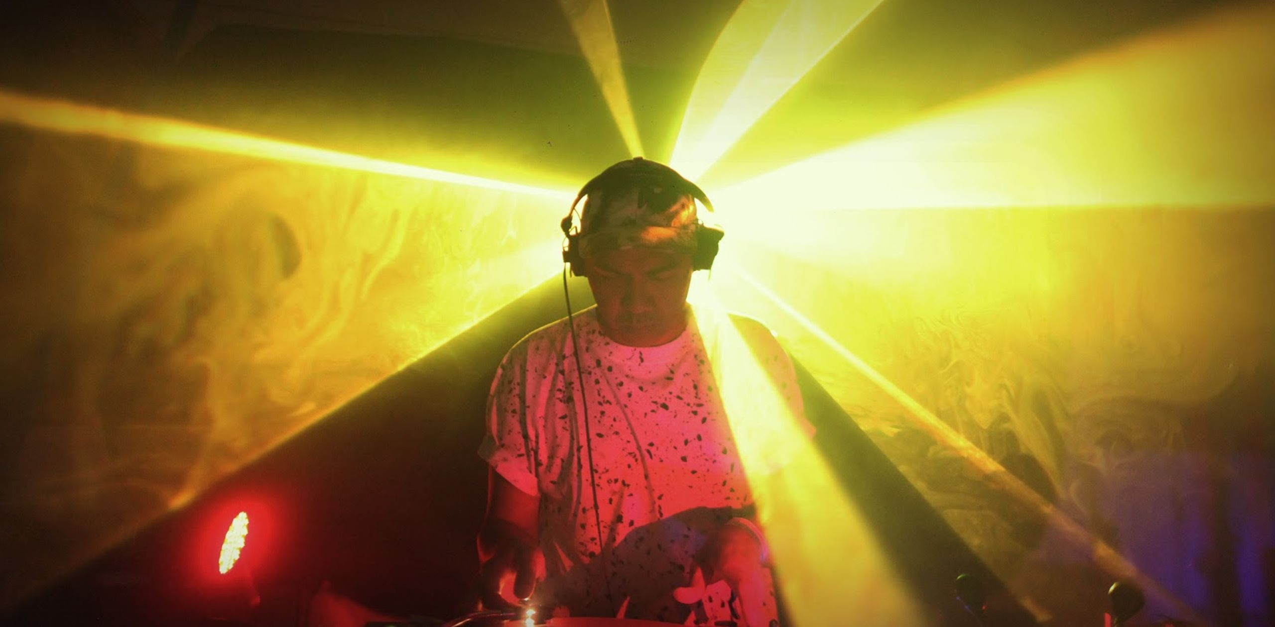 Mike Servito yellow