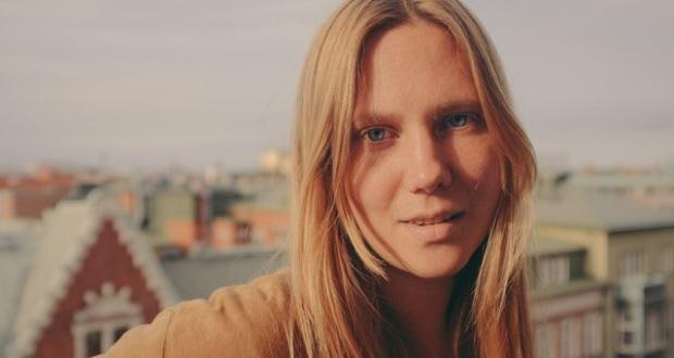Caroline Ingvarsson – Episode 130