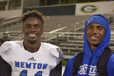 J.J. Holloman (L) and his older brother L.J. Holloman teammates UGA