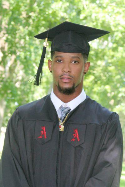 Maurice Smith graduated from Alabama last Saturday. (Photo courtesy of Samyra Smith.)