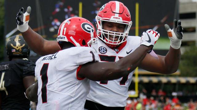 UGA-Georgia v Vanderbilt Big Hug-nfl draft