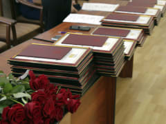 Красные дипломы торжественно вручили в СОГУ