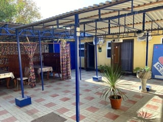 Действующие кафе+летний дворик