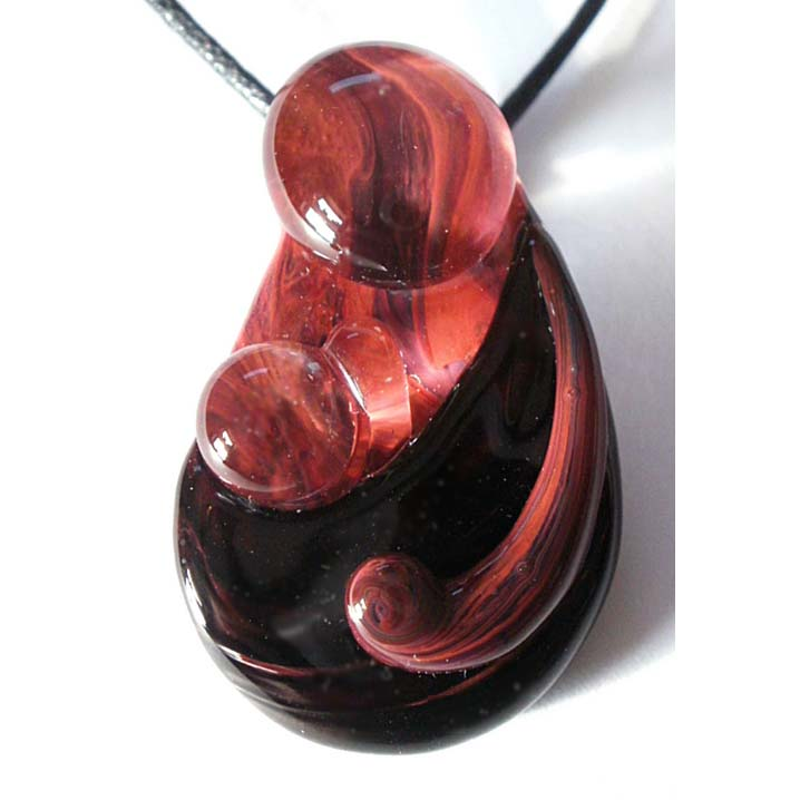 Babywearing Pendant – Onyx on Exotic Red