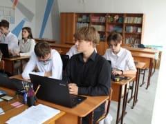 Учебные кабинеты, оснащенные современной цифровой техникой, открыты сегодня в двух школах Мысков.