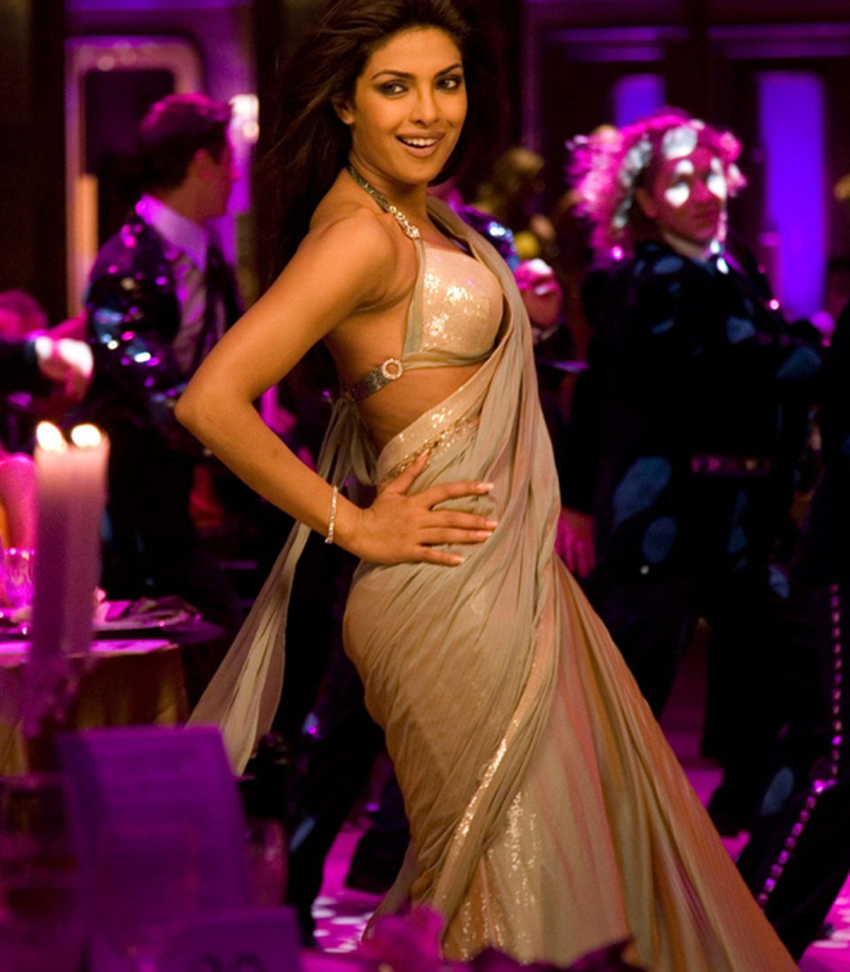 Dazzlerr: Acing the Sari Look Like our Desi Girl- Priyanka Chopra