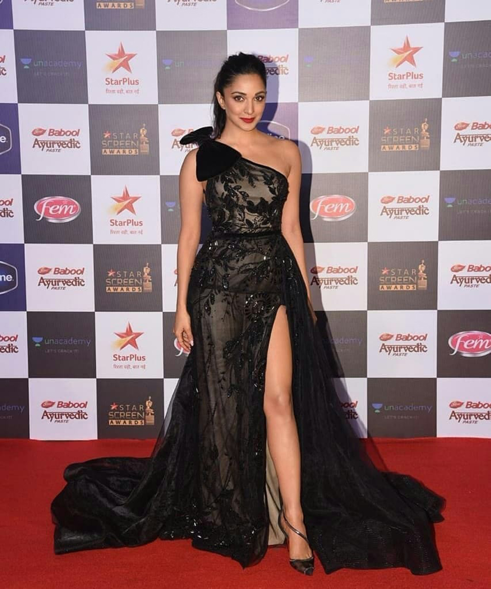 Dazzlerr: Bollywood Celebs Raise the Glam Quotient at Star Screen Awards 2019