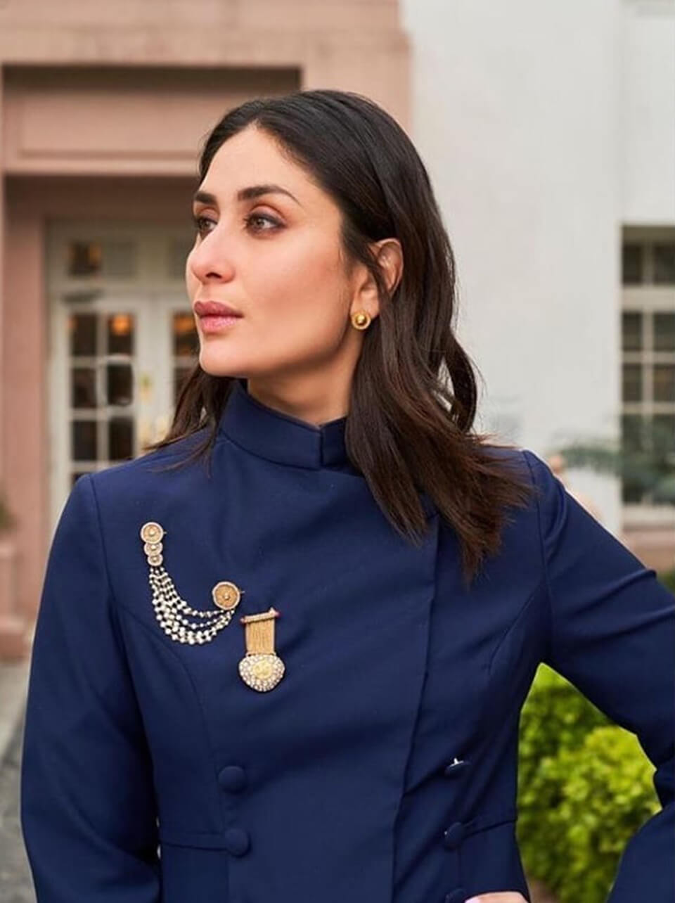 Dazzlerr: Throwback to Kareena Kapoor's Most Stunning Outfits Feature Image