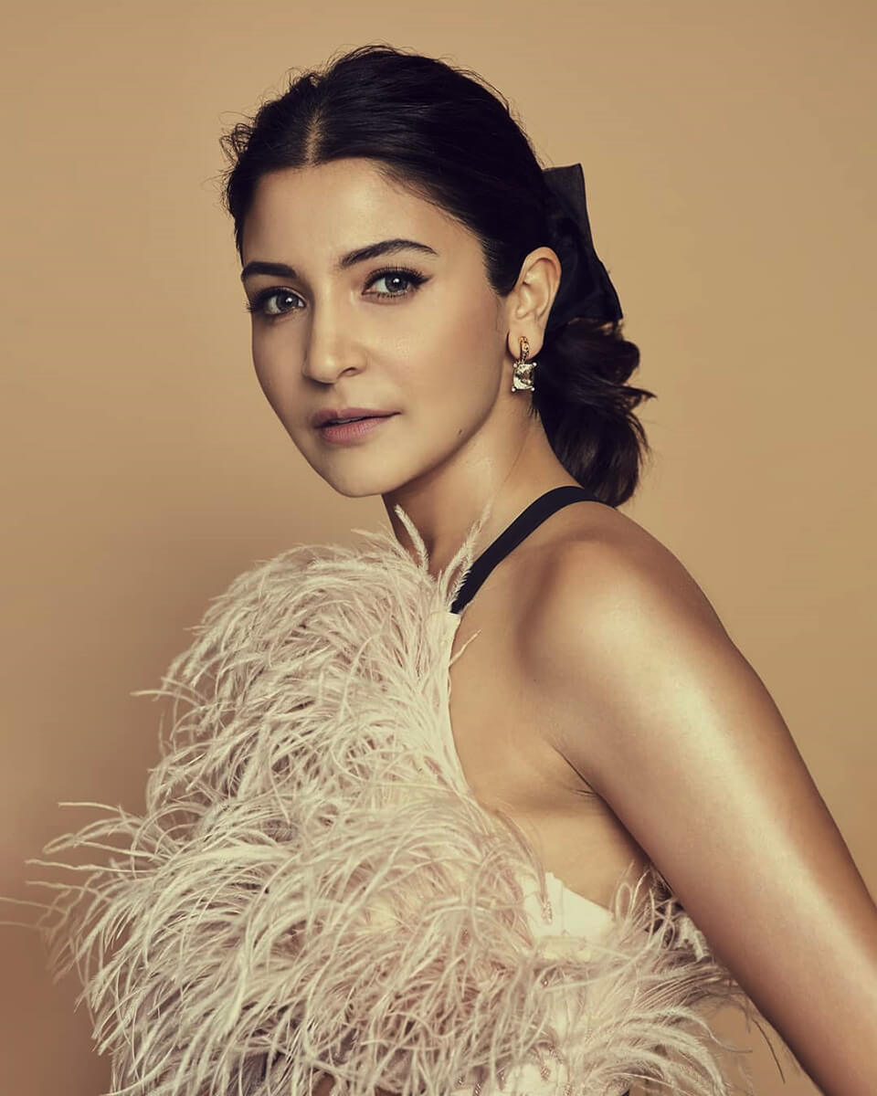Dazzlerr - Jaw-Dropping Earrings of Anushka Sharma