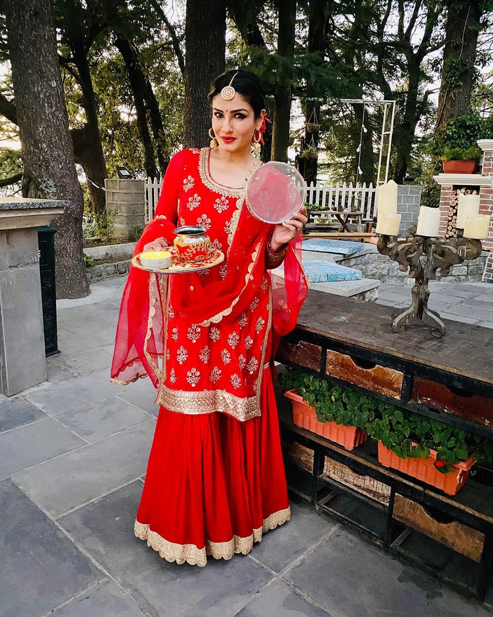 Dazzlerr - 5 Celebrity Karwachauth Looks to Steal for this Festive Season