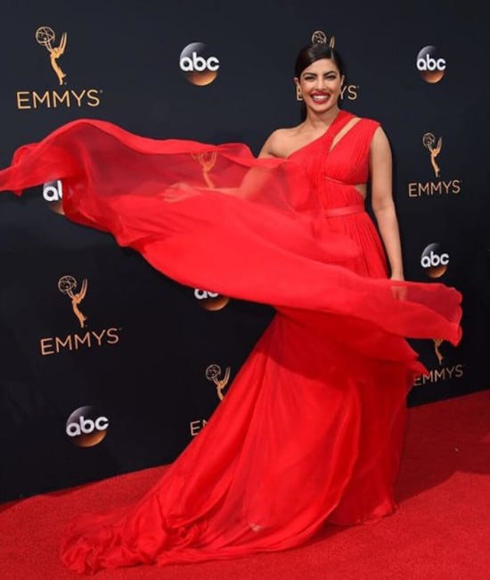 Dazzlerr: How to Style your Reds like a Celebrity
