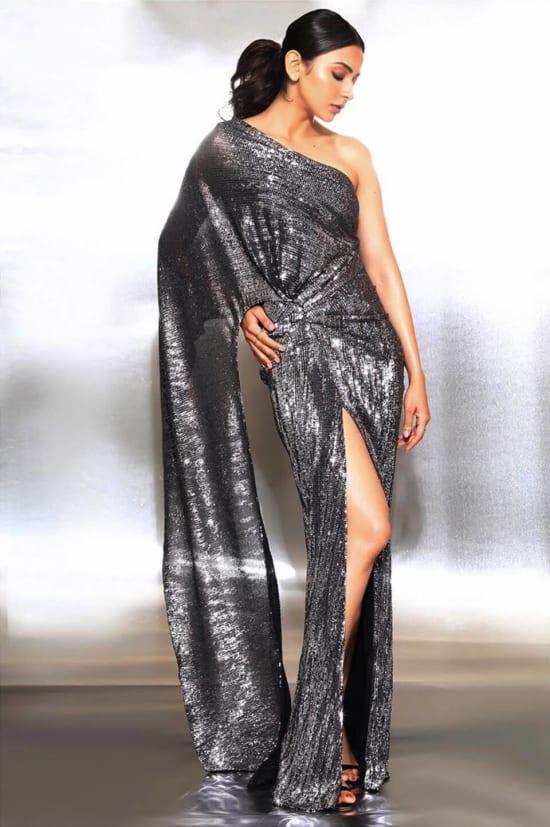 Dazzlerr - Bollywood Divas Upping the Glitter Game