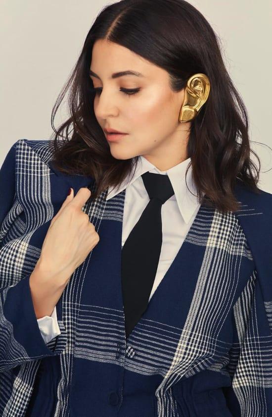 Dazzlerr - Jaw-Dropping Earrings of Anushka Sharma