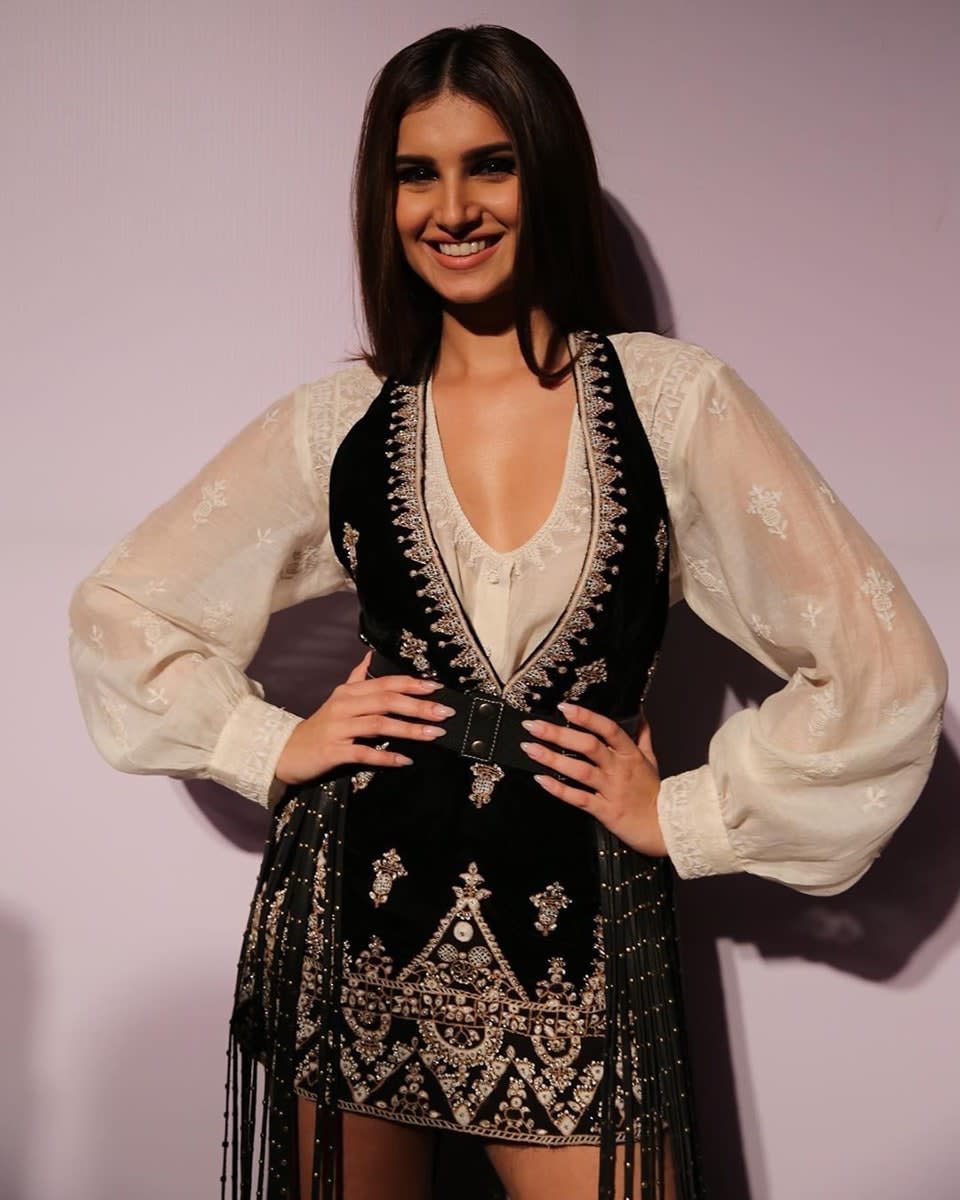 Dazzlerr: Bollywood Divas are Bringing These Bishop Sleeves Back In-Trend