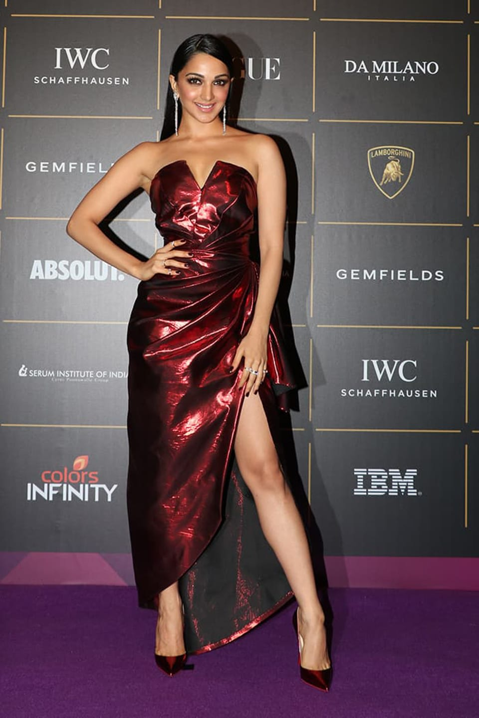 Dazzlerr: Metallic Outfits of These Bollywood Divas is Setting New Trend