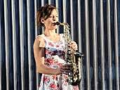 Saxophonistin Birdy Jessel