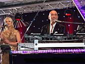 Markus Nowak & Sängerin