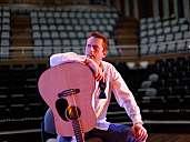 Steve - Gitarre & Gesang