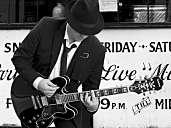 Mr. Jones - Rocksolist/Rock-Alleinunterhalter oder Unplugged