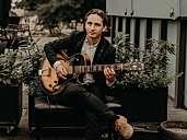 Solo jazz-guitar