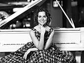Pianistin/ Organistin / Sängerin Lada Nevmyatullina