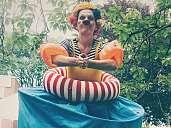 Mlle Prrrr... Stelzentheater Olga macht das Seepferdchen