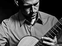 Meistergitarrist Philipp Niedrich