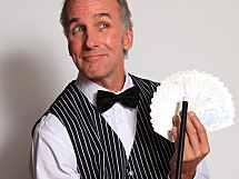 (be)zaubernder Comedy-Kellner